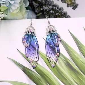 Jewelry - 🦋 Cute sparkly half butterfly wing earrings